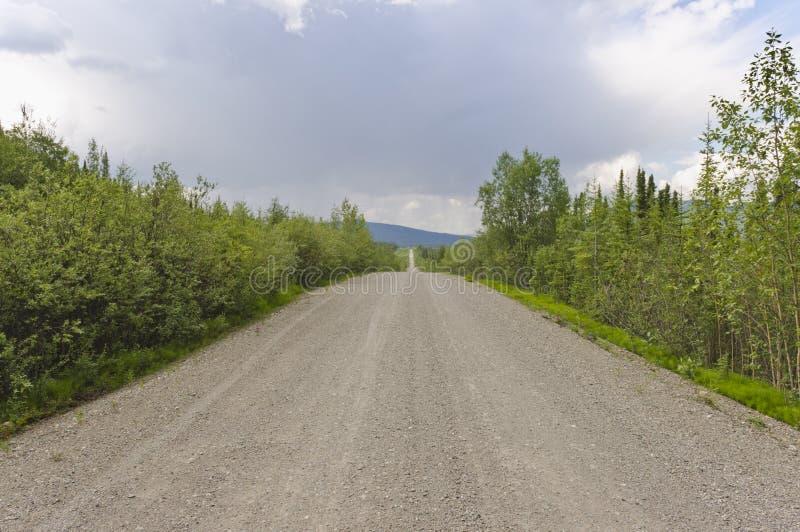 Estrada de Robert Campbell, Yukon, Canadá imagem de stock