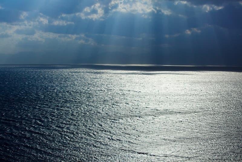 Estrada de Sun na superfície da água fotos de stock
