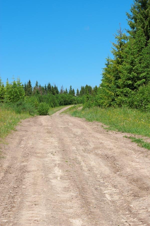 Download Estrada nas montanhas imagem de stock. Imagem de movimento - 29844705