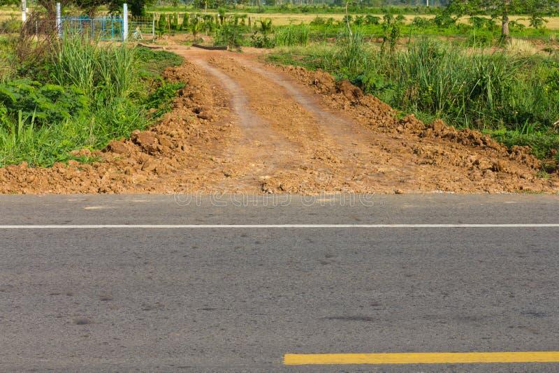 Estrada de terra pavimentada fotografia de stock