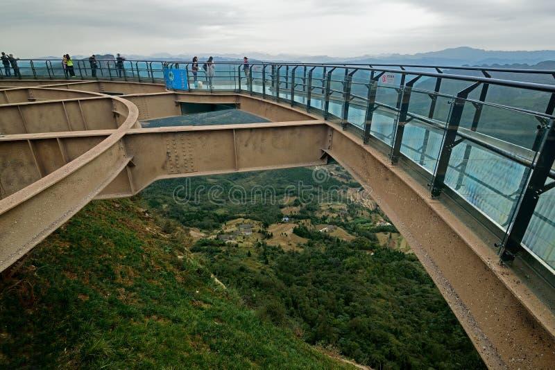 Estrada de vidro da prancha de Guangyuan China- imagens de stock royalty free