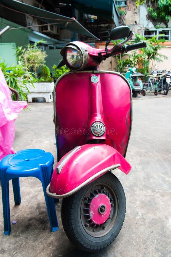 Estrada de Yaowarat, o bairro chinês de Banguecoque, Tailândia fotos de stock royalty free