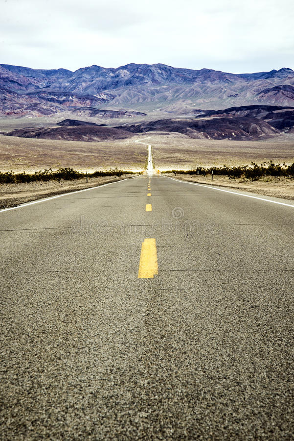 Estrada a Death Valley foto de stock royalty free