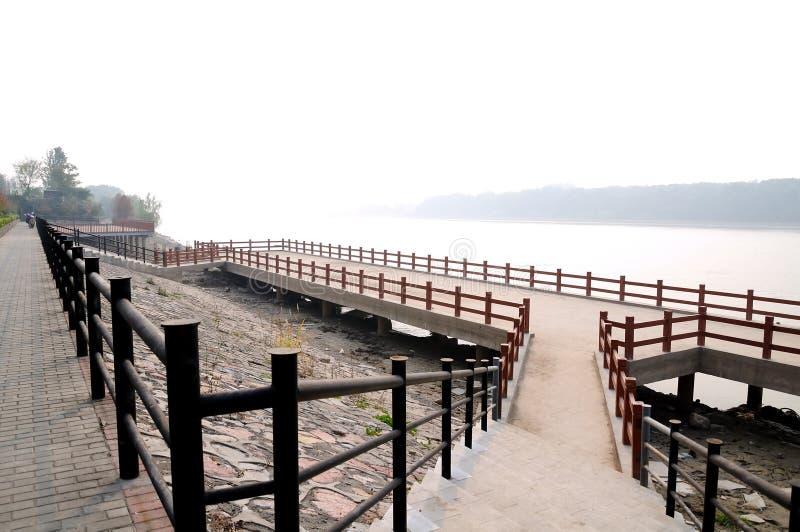 Estrada do beira-rio de Yangtze fotografia de stock royalty free