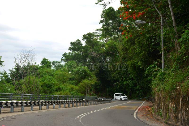 Estrada do monte do sinal em Kota Kinabalu, Malásia imagem de stock royalty free