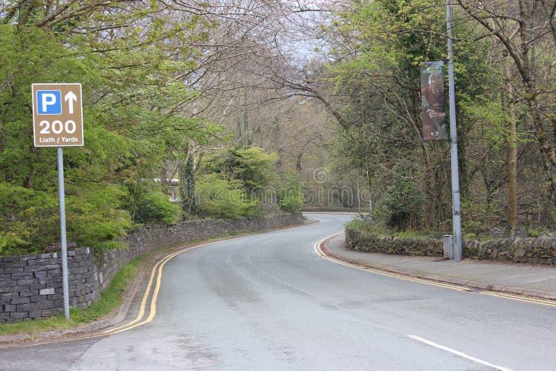A estrada dos parques de Snowdonia cronometra na primavera 2019 imagem de stock