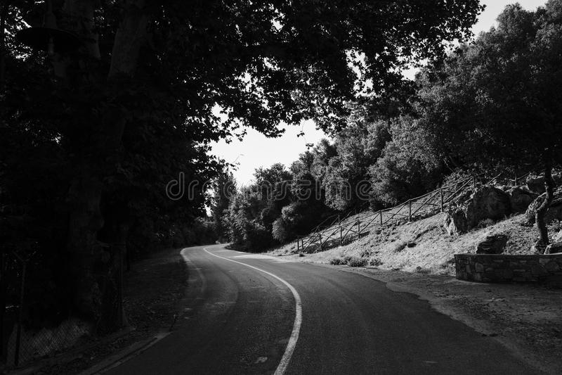 Estrada em B&W fotografia de stock