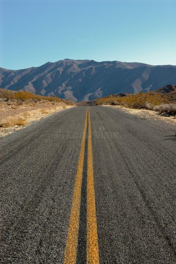 Estrada em Death Valley imagem de stock royalty free