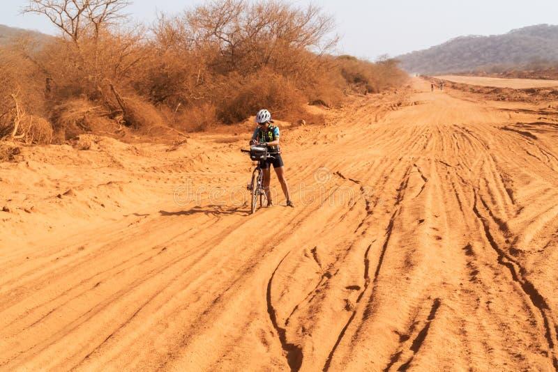 estrada em Kenya fotografia de stock