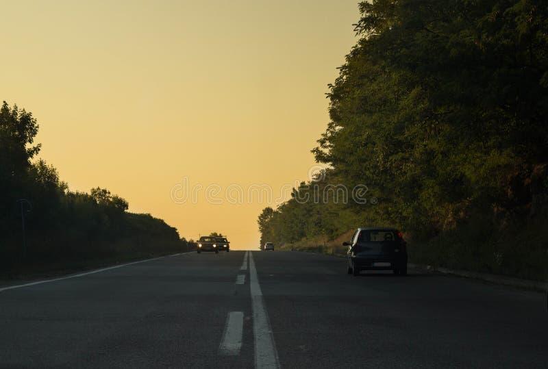 Estrada a exporir-se ao sol fotografia de stock royalty free