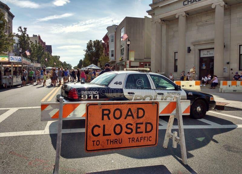 Estrada fechado ao tráfego direto, rua justa, Rutherford do Dia do Trabalhador, New-jersey, EUA fotografia de stock