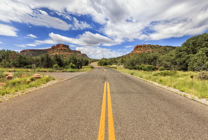 Estrada infinita da passagem de Boynton em Sedona, o Arizona, EUA imagem de stock