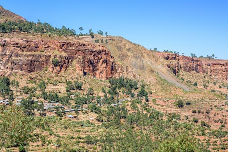 Estrada nas montanhas etíopes nortes imagem de stock royalty free