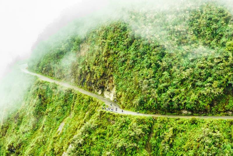 Estrada nevoenta da morte no Yungas em Bolívia imagens de stock royalty free