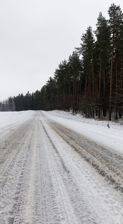 Estrada no inverno foto de stock
