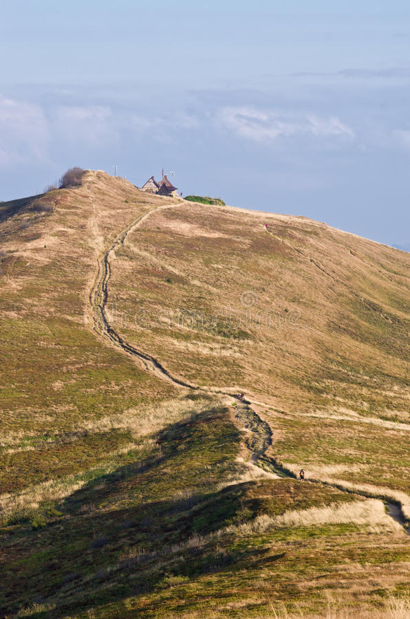 Estrada rochoso nas montanhas imagens de stock royalty free