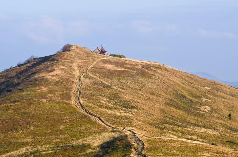 Estrada rochoso nas montanhas fotos de stock