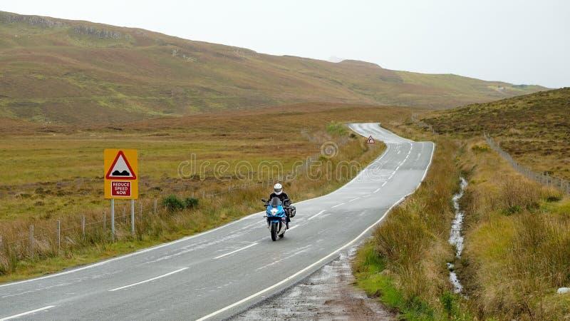 Estrada secundária em Escócia, Reino Unido imagem de stock royalty free