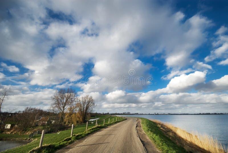 Estrada secundária nos Países Baixos foto de stock