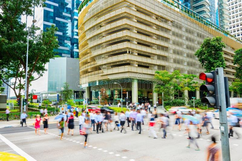 Estrada transversaa aglomerada, baixa de Singapura do negócio imagens de stock