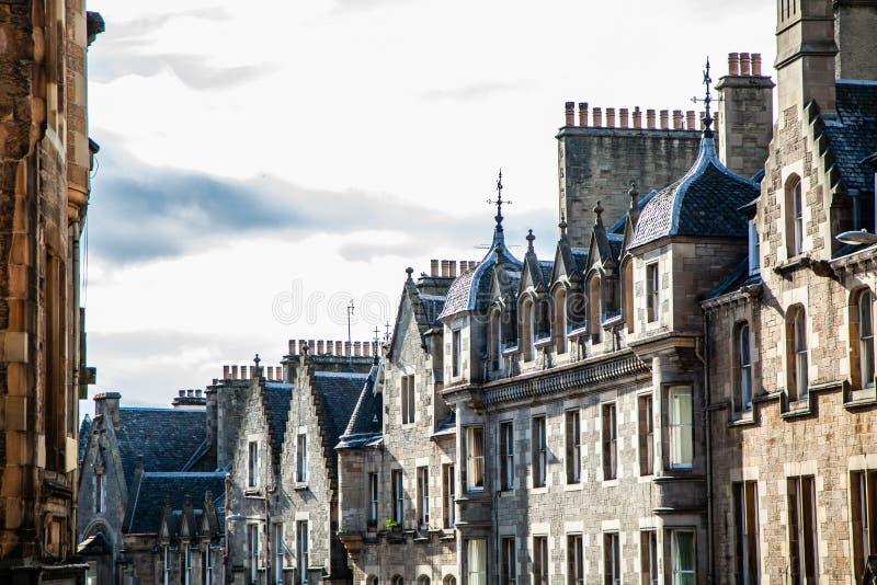 Estrada velha da cidade de Edimburgo perto do castelo de Edimburgo fotografia de stock royalty free