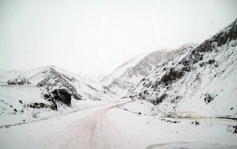 Estradas da montanha alta nos Andes fotos de stock royalty free