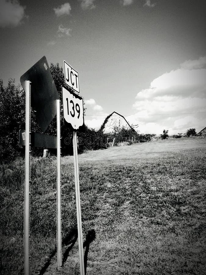 Estradas da parte traseira de Ohio em preto e branco fotos de stock royalty free