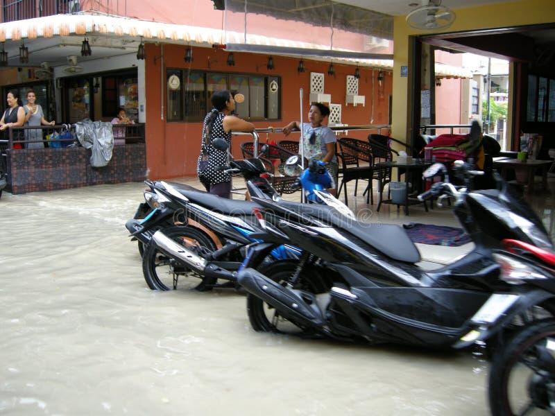 Estradas inundadas, Pattaya foto de stock royalty free