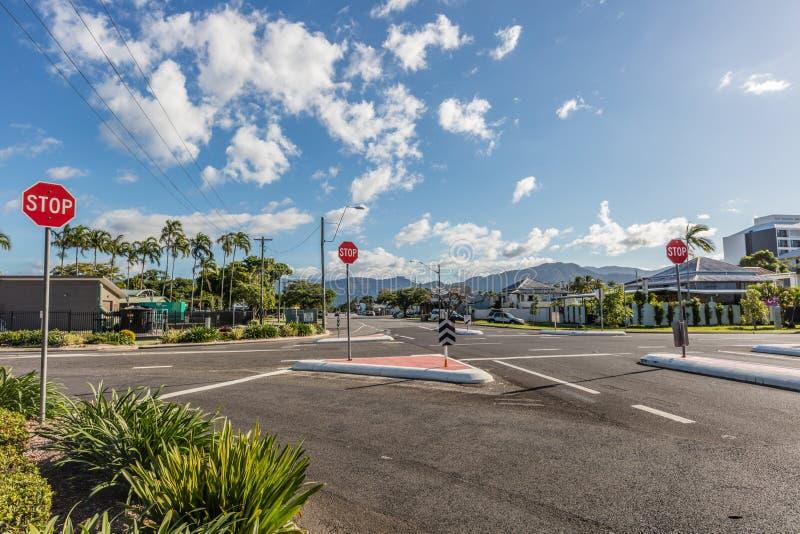 Estradas transversaas da cidade dos montes de pedras, Queensland, Austrália imagens de stock royalty free