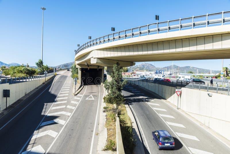 Estradas transversaas em Olbia, Sardinia, Itália imagens de stock