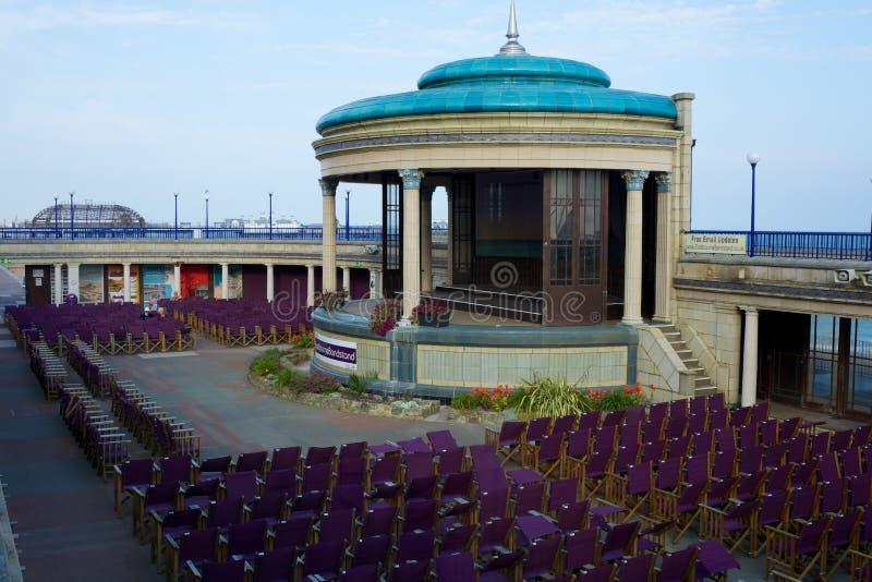 Estrado de la orquesta de Eastbourne sussex inglaterra fotografía de archivo