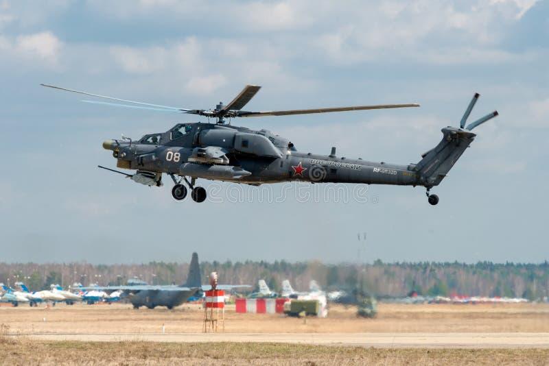 Estrago Mi-28 imagenes de archivo