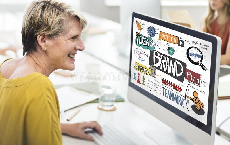Estratégia de marcagem com ferro quente do tipo que introduz no mercado o conceito criativo imagens de stock