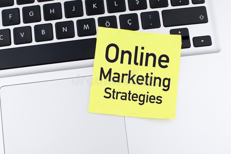Estrategia de marketing en línea imágenes de archivo libres de regalías