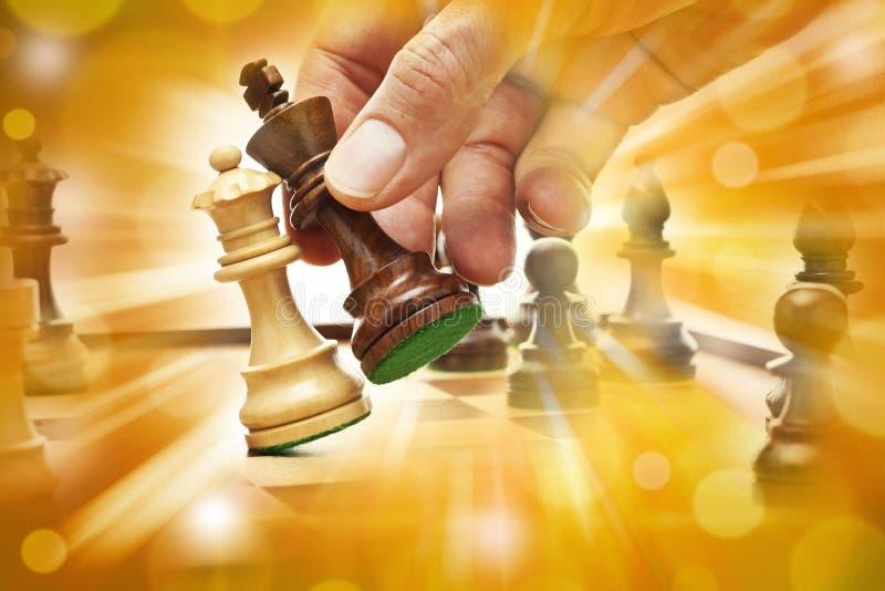 Estrategia empresarial del jaque mate del ajedrez fotos de archivo