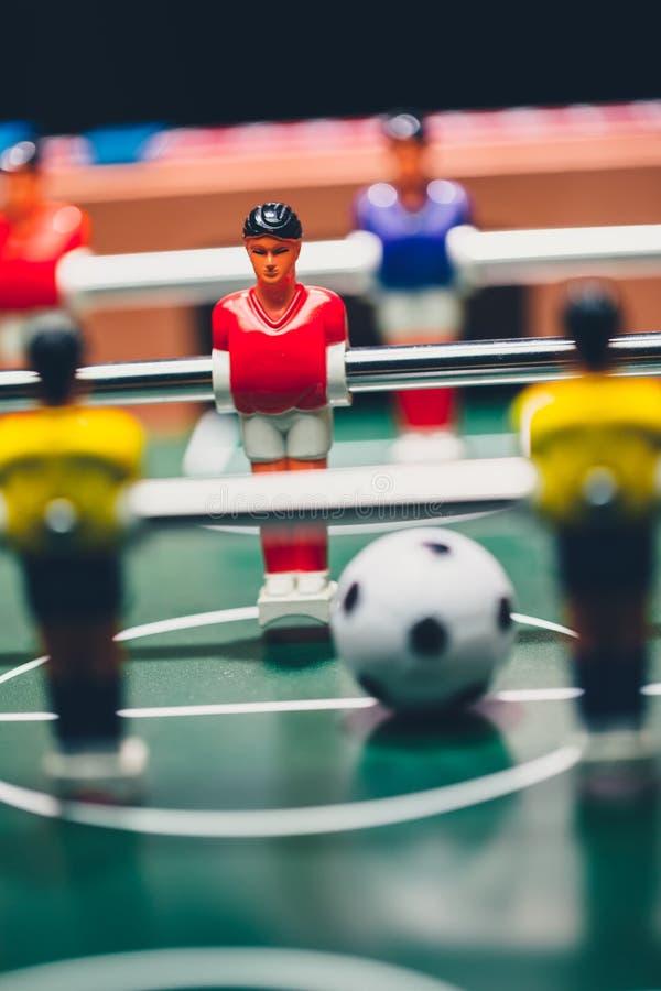 Estrattore a scatto dei giocatori del gioco di calcio di calcio-balilla immagine stock