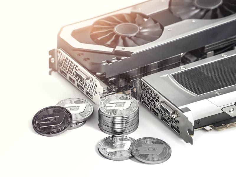Estrazione mineraria di Dashcoin Facendo uso delle schede video potenti per estrarre e guadagnare concetto di cryptocurrencies royalty illustrazione gratis