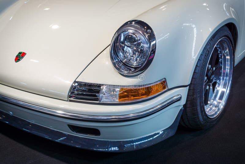 Estreia mundial de equipamentos de Restomod Porsche 911and 933 por Kaege retro, 2016 fotos de stock royalty free