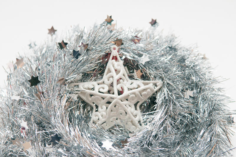 Estrela de prata do Natal no fundo branco isolted imagem de stock royalty free