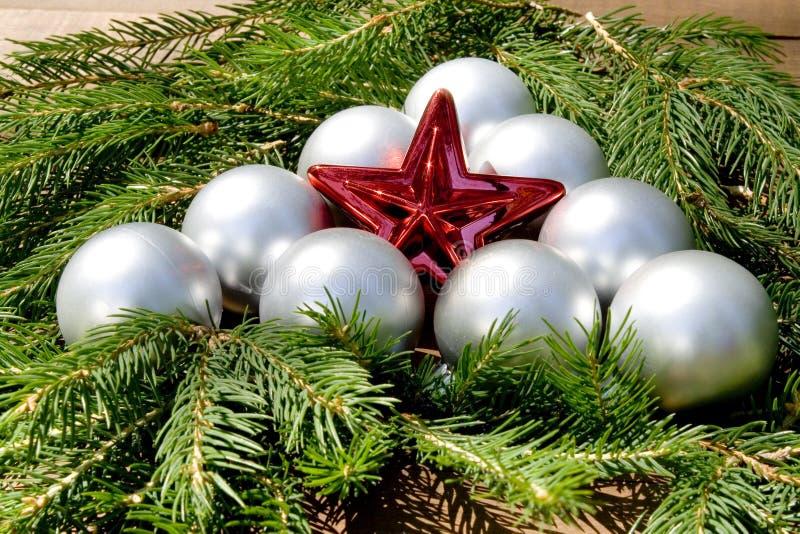 Estrela do Natal com esferas fotos de stock