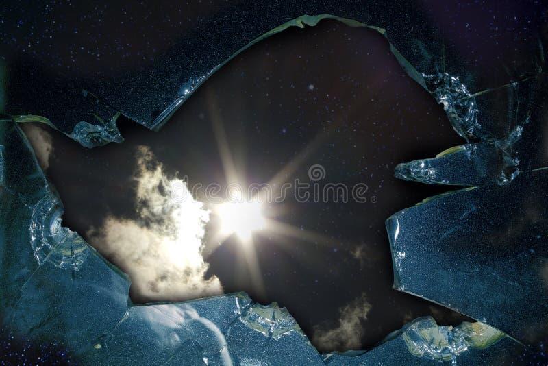 Estrela quebrada de vidro do furo imagens de stock royalty free