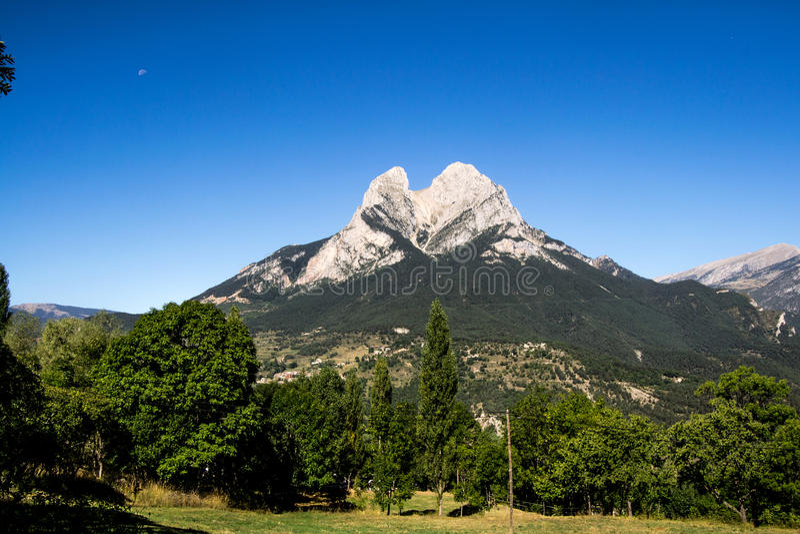 Estrela sozinha na montanha foto de stock