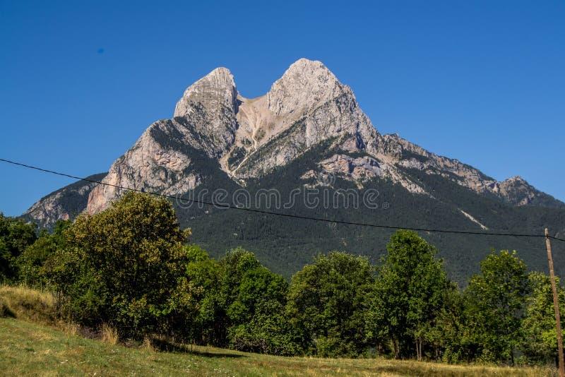 Estrela sozinha na montanha imagens de stock royalty free