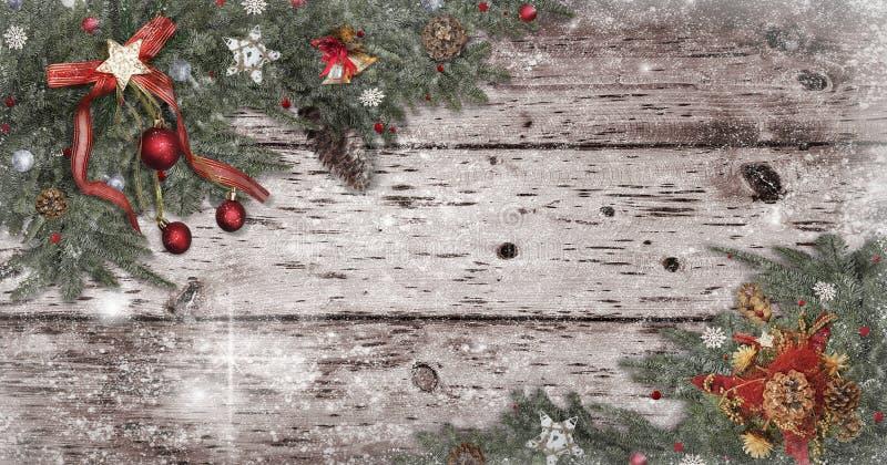 Estrella de la decoración de la Navidad, fondo de madera blanco de la nieve de la bola, conos del pino para el espacio de la tarj imagen de archivo libre de regalías