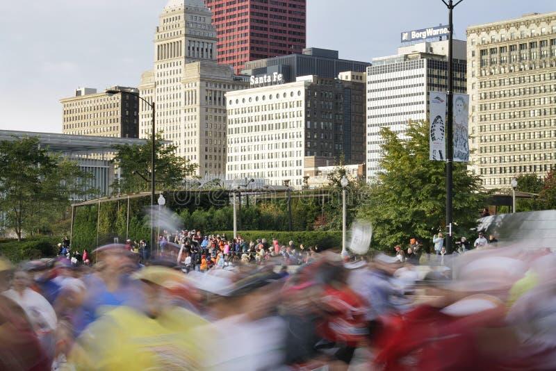 Estrella del maratón 2009 de Chicago con la falta de definición de corredores imágenes de archivo libres de regalías