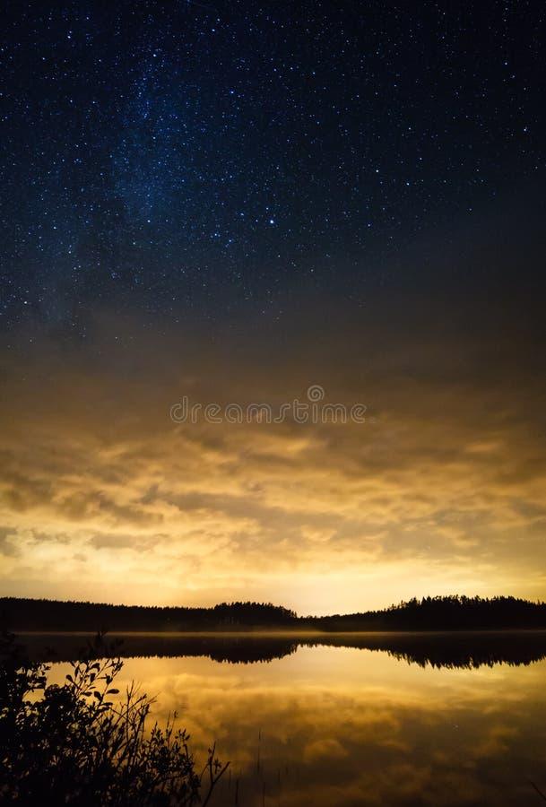 Estrellas de la puesta del sol imagenes de archivo