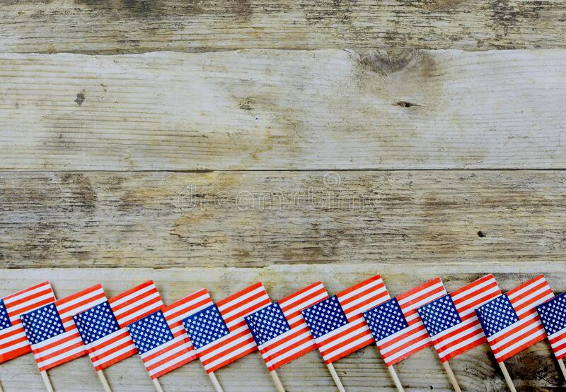 Estrellas y rayas rojas, blancas y azules para celebraciones patrióticas en los Estados Unidos de América fotos de archivo libres de regalías