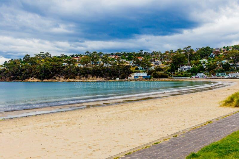 Estremità del sud della spiaggia di Kingston a Hobart, Tasmania, Australia immagine stock libera da diritti