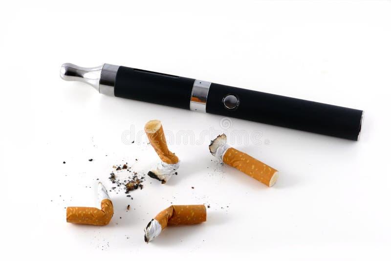 estremità di sigaretta e della E-sigaretta fotografia stock