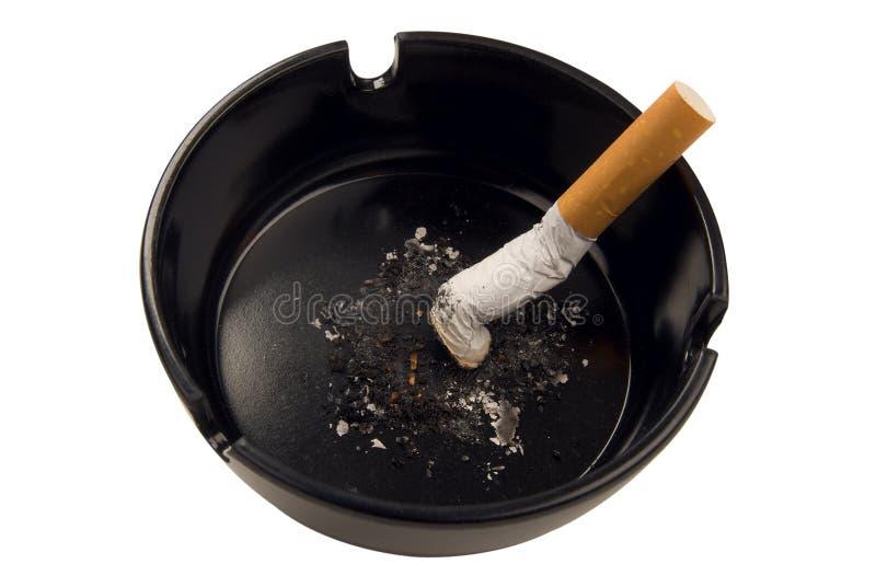 Estremità di sigaretta in portacenere fotografie stock libere da diritti